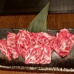 大衆焼肉 味樹園 - ・和牛霜降りロース塩 ¥690