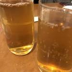 横浜大飯店 - ウーロン茶で乾杯