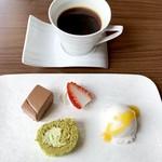ハーブ&農園レストラン PINOT - デザートと珈琲