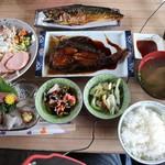 サンチョク鮮魚荒木 - 刺身定食