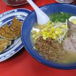 ふーチャンラーメン - 肉みそラーメンと餃子