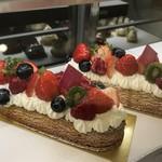 コンパルティール ヴァロール - 春色のケーキもありますよ[2019.4.9)