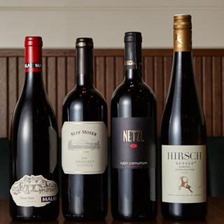 お肉料理と好相性のドイツビールやワインなど豊富にラインアップ
