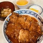 魚半食堂 - カツ丼650円