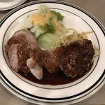 ハーベスト - 本日の盛り合わせ  ミックスグリル(豚ひれ肉・チキン・ミニハンバーグ) 890円