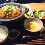 季鶏屋 - チキンカツ煮定食 (880円税込)