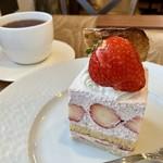 ケーキ パスタ&バール いすずカフェ - スイーツセット 1134円