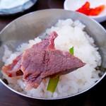 赤坂一龍 - 茹で肉を韓国海苔で巻いたり