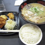 大阪豚骨ラーメン大力 - 大阪とんこつラーメン(塩)+唐揚げセット(900円)