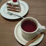 105352345 - ショコラショートケーキ&和栗紅茶