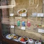 105358700 - 昭和喫茶の定番 食品サンプルのショーケース