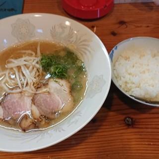 つどいっ亭 - 料理写真:コラボラーメン ¥550 + ライス ¥50
