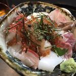 105372123 - 海鮮丼アップ