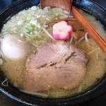 秋田ラーメン はま - 料理写真:「醤油ラーメン」           こってり&太麺&味玉