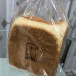 本間製パン - 焼き印がお洒落です