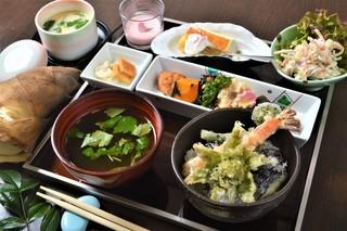 食彩 あさ乃 - 昼:日替わり御膳(一例)