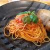 フィオーレ - 料理写真:トマトバジルソースのスパゲッティ単品 980円(税込み) ・量もあって、美味しいです。
