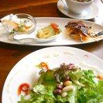 DEAR FROM - サラダと前菜