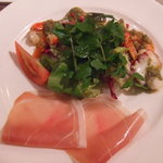 シェ・ヴァン - 生ハムと魚介のサラダ