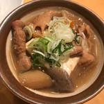テング酒場 - もつ煮豆腐