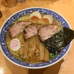 青葉 - 「特製中華そば」900円+「大盛り」100円(税込)