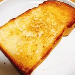 モグモグベーカリー - トーストすると、モッチモチ♡