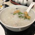 香港厨房 - ご飯をお粥に変更してもらいました