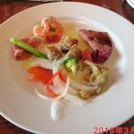 ロッソ - ROSSOスペシャル(淡路産牛肉とキノコのポロネーゼ(前菜)) 1/3 \1800位