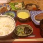 茂治 - 茂治の昼定食1,000円(税込)はお菜が7品
