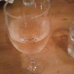 105447659 - サービスのハウスワイン。さらりとして飲みやすかったです。