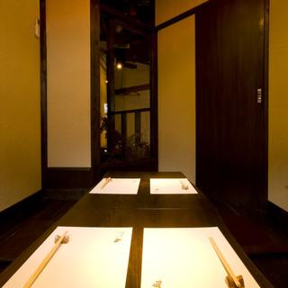 4名様から6名様専用の完全個室をご用意。