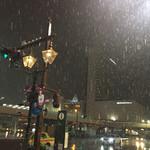 泰陽楼 - 四月なのに雪です。朝には積もりそうです。