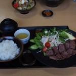 満洲軒 - ハラミステーキ定食
