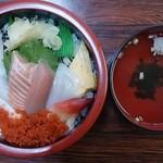 すし海道 - 料理写真:海鮮丼+お吸い物