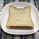 105457964 - 生地もっちもちの甘みのある食パンです!!