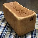 105457968 - 銀座の食パン〜香〜