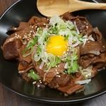 名古屋もつ焼き ひとすじ - ワンコインランチ どて煮丼汁物付き 土手焼き 土手煮 500円ランチ もつ煮 モツ煮