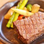 Ni-Yon - 旨牛(ひうち肉)のステーキ始めちゃいました。