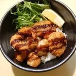 キャッツアイ - 料理写真:海鮮ミックスフライ丼 590円+税