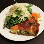 Bisutoroishikawatei - ベーコン・チーズ・ホウレン草のキッシュ サラダ添え