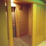 10548530 - 部屋の入り口は、ちゃんと二重