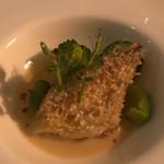 デルフィーナ - 甘鯛の鱗焼き ひよこ豆のソース