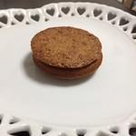 キャラメルゴーストハウス - クッキーーの間にチョコが・・