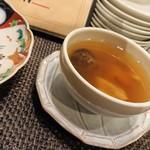 105503203 - 欠かせない薬膳スープ