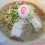 中村商店 - 鶏豚骨ラーメン \720
