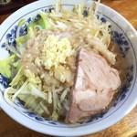 大勝軒 - 小豚ニンニク 700円