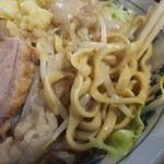 大勝軒 - 小豚 麺拡大