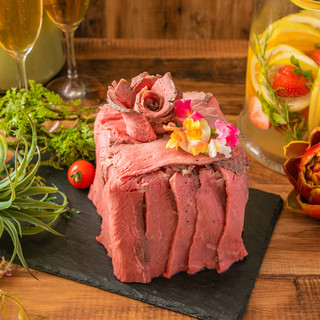 【誕生日・記念日】肉ケーキでサプライズが人気♪