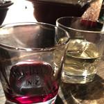 蜂の家 - グラスワイン