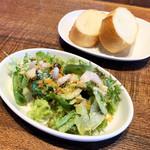 105520236 - 海老ラーメンセット(税込1,100円)                        <前菜・バゲット・海老ラーメン>